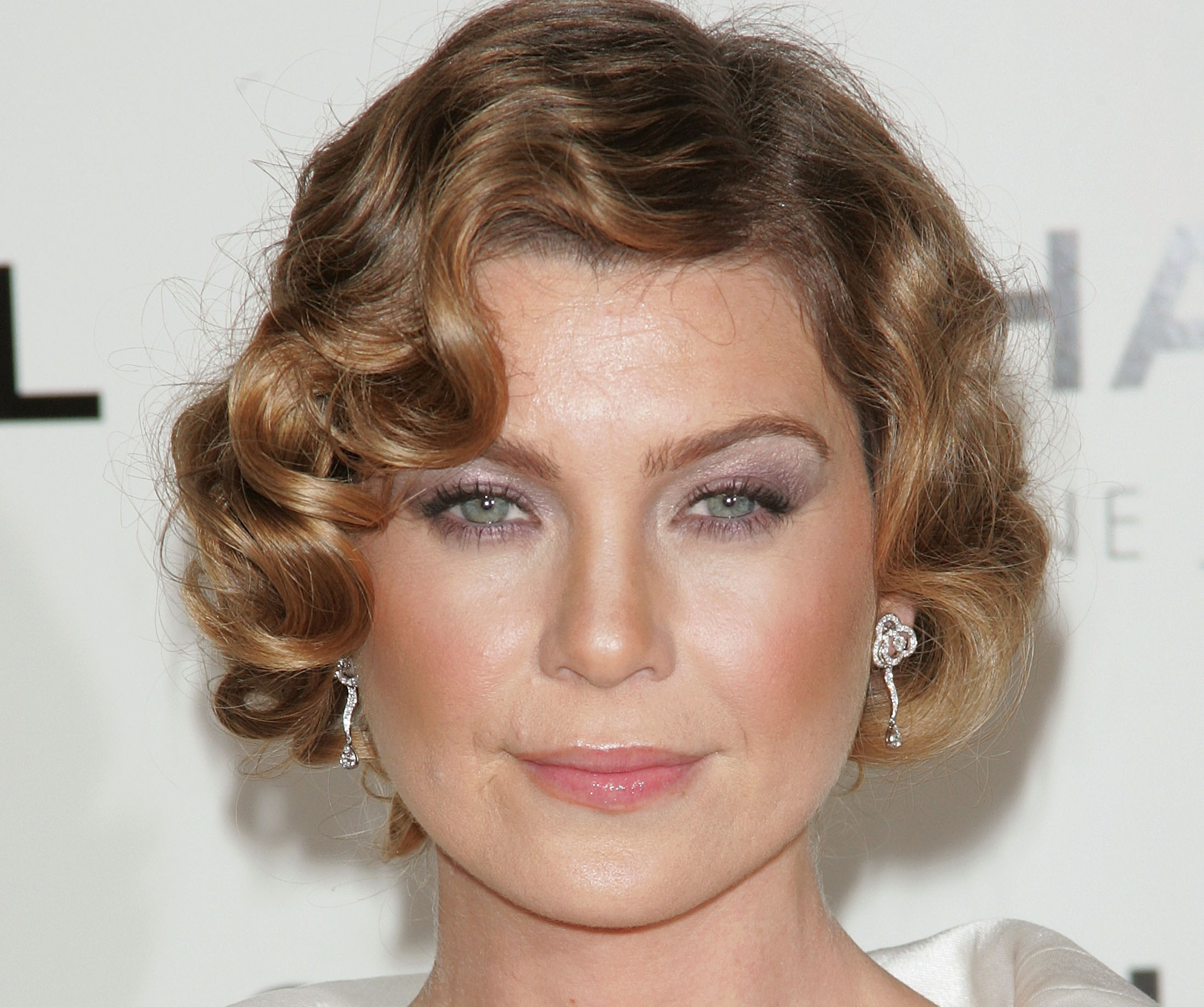 Are Ellen Pompeo S Eyes Blue Or Green Yahoo Answers