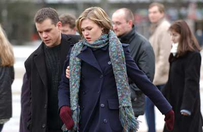 an analysis of the bourne supremacy movie starring matt damon Jason bourne is back in business, after an eight-year absence, in a 2016 'bourne' movie starring matt damon, julia stiles, alicia vikander, tommy lee jones, and (maybe) viggo mortensen.